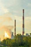 工厂烟囱导致电 免版税图库摄影