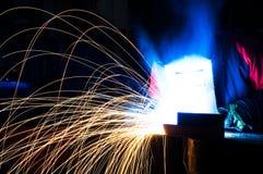 工厂焊工工作 库存照片