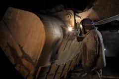 工厂焊工 免版税库存图片