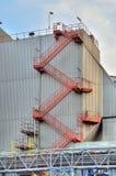 工厂的建筑导致电 库存照片