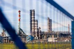 工厂管子和大厦  免版税图库摄影