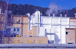 工厂Mondi在城市Ruzomberok,斯洛伐克 库存图片