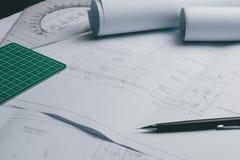 工程学图晒图纸起草的项目剪影曲拱 免版税库存图片