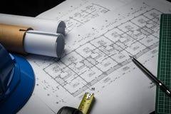 工程学图晒图纸起草的项目剪影 免版税库存照片
