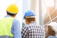 工程学建筑概念:专业工程师合作我 免版税图库摄影