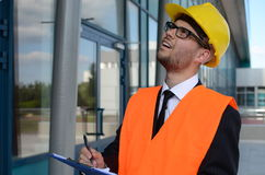 年轻工程师在工作 免版税库存照片