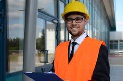 年轻工程师在工作 免版税库存图片