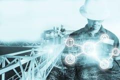 工程师或技术员人两次曝光有产业工具的 库存图片