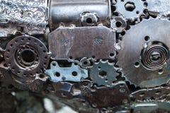 工艺品从使用的备件的金属艺术品 免版税图库摄影