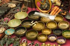 工艺品在市场,加德满都,尼泊尔上 免版税图库摄影