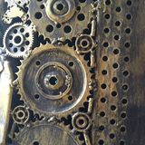 工艺品从使用的备件的金属艺术品 小块分开,金属齿轮、汽车、汽车,摩托车等 库存图片