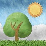 工艺纸张被回收的季节视图 免版税库存图片