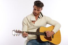 左手的吉他演奏员 库存图片