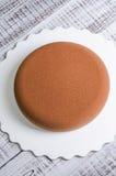 巧克力丝绒没有装饰的奶油甜点蛋糕 免版税库存图片