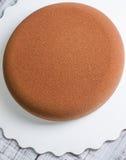 巧克力丝绒没有装饰的奶油甜点蛋糕 库存照片