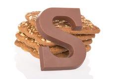 巧克力信件和speculaas,在12月的5日荷兰甜点 免版税库存图片