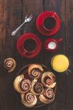 巧克力卷和咖啡 图库摄影