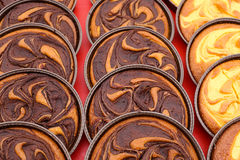 巧克力和乳蛋糕奶油色馅饼 库存图片