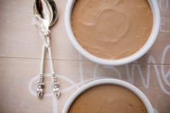 巧克力和咖啡奶油甜点 免版税库存图片
