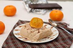 巧克力和橙色semifredo冰淇凌 免版税库存图片