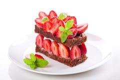 巧克力和草莓蛋糕 库存图片