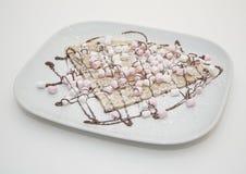 巧克力和蛋白软糖绉纱 免版税库存图片