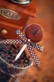 巧克力咖啡风味棒棒糖 免版税库存图片