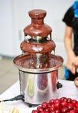 巧克力喷泉 免版税图库摄影