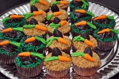 巧克力复活节杯形蛋糕 免版税图库摄影