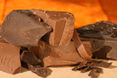 巧克力大块黑暗牛奶 库存照片