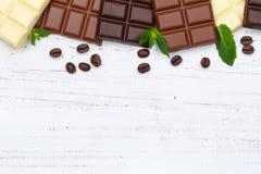 巧克力巧克力块食物甜点copyspace木顶视图 库存图片