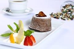 巧克力方旦糖熔岩蛋糕 免版税库存图片