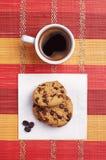 巧克力曲奇饼和咖啡 库存照片