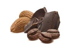 巧克力杏仁被隔绝的咖啡豆 图库摄影