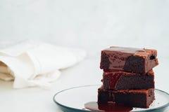 巧克力果仁巧克力用巧克力糖浆 美国点心 库存图片