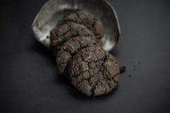 巧克力果仁巧克力曲奇饼 库存图片