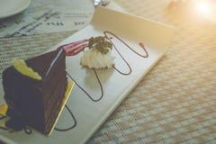 巧克力果仁巧克力蛋糕片断  图库摄影