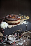 巧克力梨蛋糕 库存照片