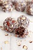 巧克力椰子球 免版税库存图片