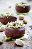 巧克力油炸圈饼 图库摄影