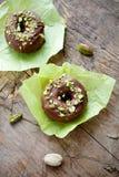 巧克力油炸圈饼 免版税图库摄影