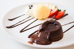 巧克力熔岩蛋糕 免版税库存图片
