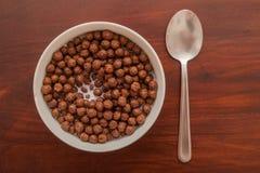 巧克力球-玉米片 免版税库存照片