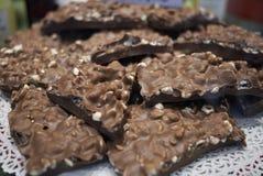 巧克力用喘气的米 免版税库存图片