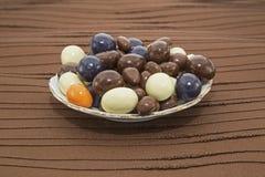 巧克力糖甜点碗 免版税库存照片