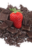 巧克力草莓和片断  免版税库存照片