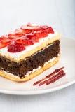 巧克力草莓蛋糕 免版税库存图片