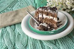 巧克力蛋糕。musse和尚蒂伊奶油 库存图片