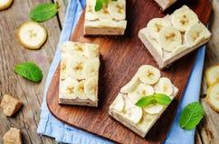 巧克力香蕉奶油甜点蛋糕 库存图片