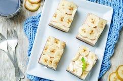 巧克力香蕉奶油甜点蛋糕 库存照片